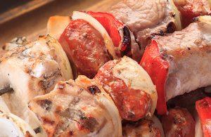 Anticuchos de Carne a la Parrilla